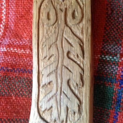 Detail - Oak leaf carving